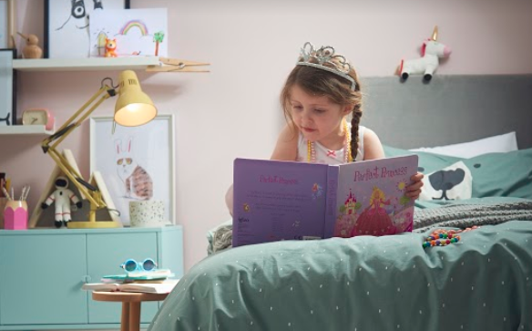 Could bedtime reading improve a child's imagination?